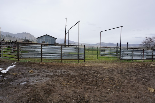 How to Build Durable Pipe Corrals - Countryside