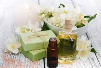 Combining the Best Essential Oils for Soap Making