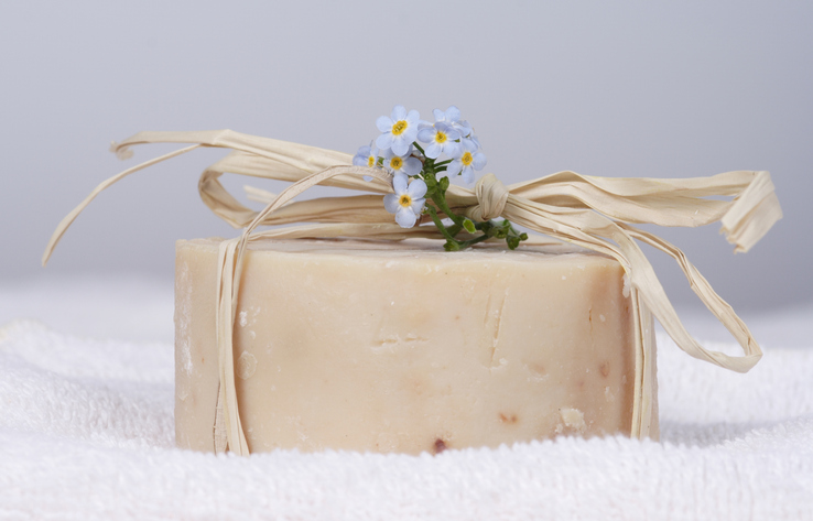 How to Make Goat Milk Soap in 7 Easy Steps