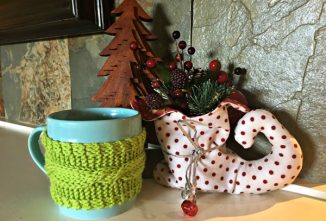 Make a Mug Cozy: An Easy Cable Knitting Pattern