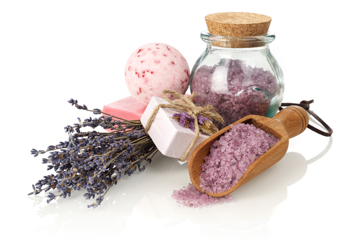 How to Make Bath Bombs: An Easy DIY Gift