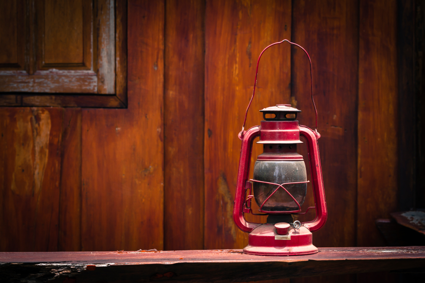 Add Kerosene Lanterns to Your Off The Grid Living Supplies