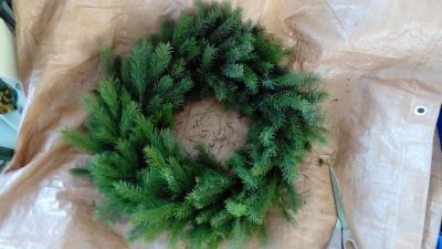 evergreen-chirstmas-wreath