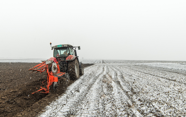 farm-equipment-winter-maintenance